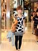街拍上海美女黑色紧身裤6.jpg
