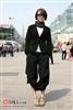 香港街头春季短外套搭配1.jpg