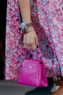 2014年代表色出炉:具有灵性的兰花紫11.jpg